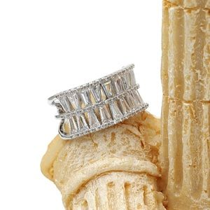 Ocean Fashion Jewelry - Two-tiered crystal ring